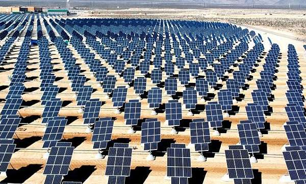 how does a solar panel work, an image of solar panels